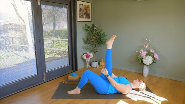 Yoga Step by Step 1