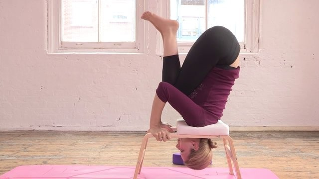 Easy Headstand with Feetup