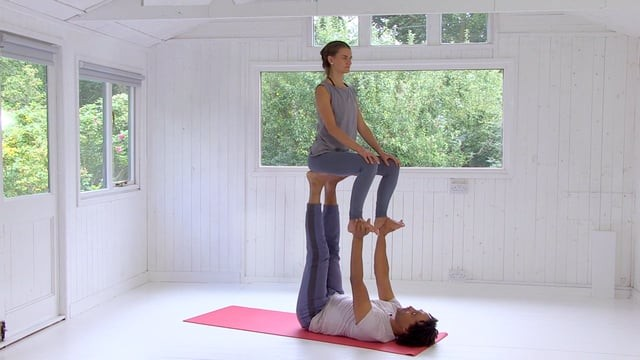 Acro Yoga 5: Throne