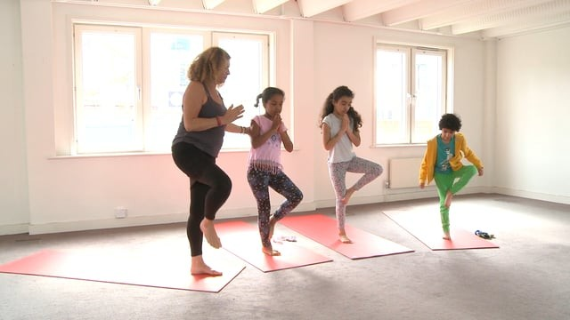 Yoga for Kids: 7-10 year olds Singalong and Move Together