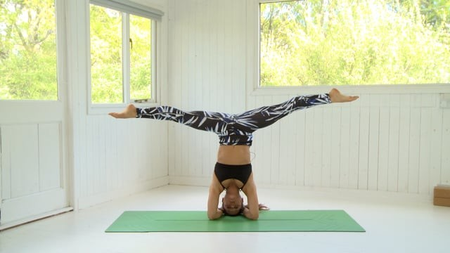 Headstand 22: Leg Transitions
